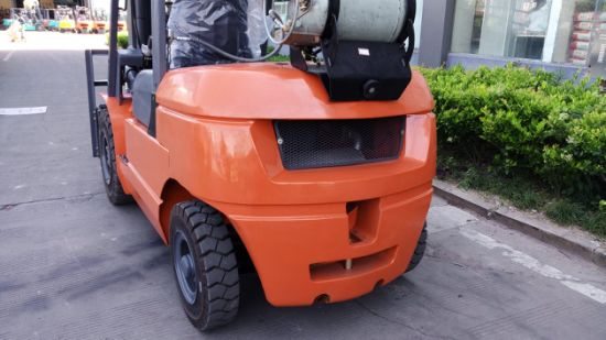 Best Selling Japanese Nissan Engine 3 Ton LPG Forklift pictures & photos