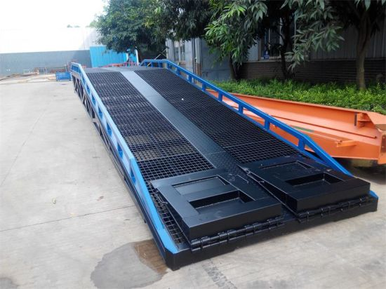 Heavy Duty Adjustable Hydraulic Container Loading Ramp