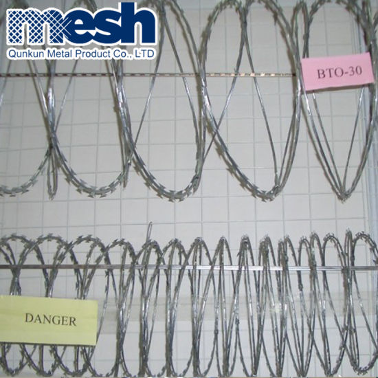 Factory Specialized Manufacturer Razor Barbed Tape Wire pictures & photos