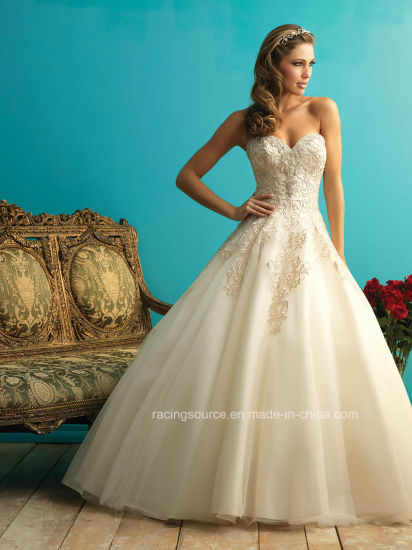 2016 Chapel Train Empire Bridal Ball Gown Wedding Dress pictures & photos