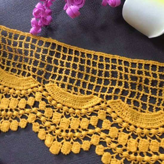 Fashionable Polyester Yellow Chemical Lace Trimming for Lady Garment