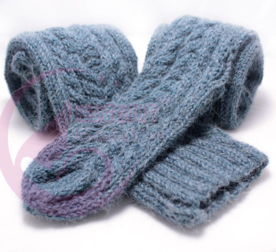 OEM Hand Knit Hat Beanie Headwear Cap Cushion Socks Blanket pictures & photos
