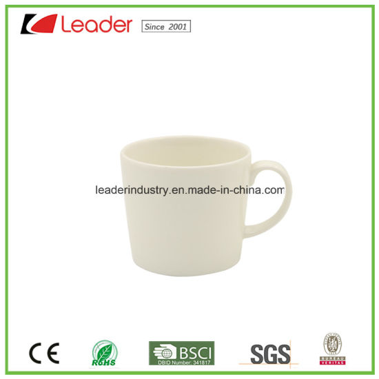 11oz White Ceramic Inner & Light Green Color Mug pictures & photos