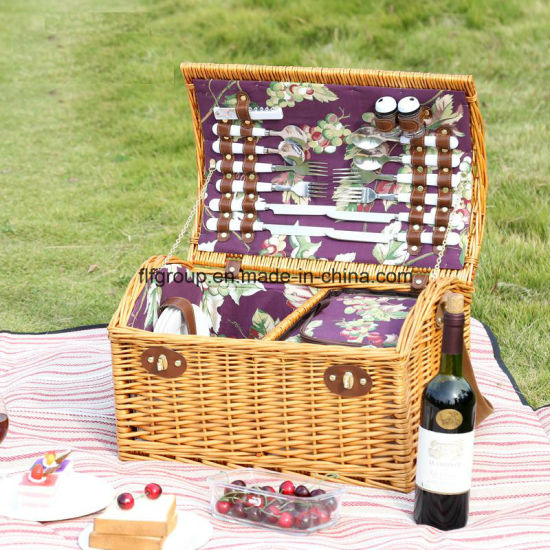 High End Eco-Friendly New Design Handcrafted Colored Picnic Wicker Basket pictures & photos