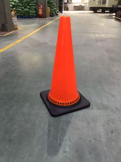 High Quality 28′′ Black Base PVC Roadway Safety Traffic Cones pictures & photos