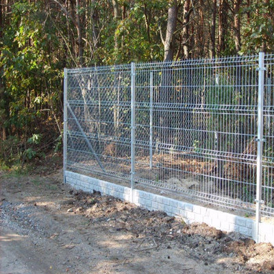 China Residence Welded Wire Mesh Security Fence - China Fencing ...