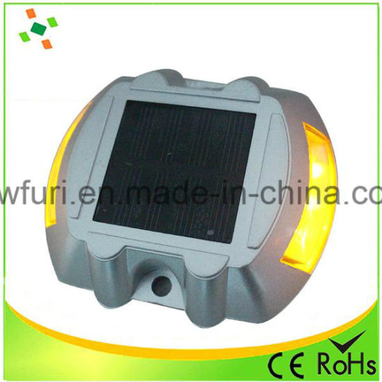 IP68 Reflective Aluminum Solar LED Flashing Road Marker pictures & photos