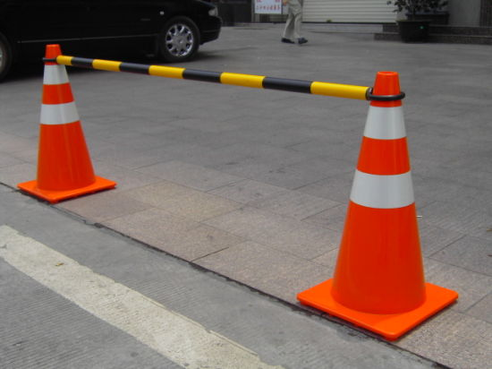 Red&White Yellow&Black Reflective Retractable Traffic Cone Bar pictures & photos