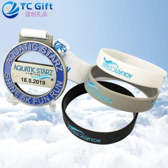 China Factory Custom Eco-Friendly Sport Metal Medal Fashion Logo Pure Color Silk Screen Energy Bracelets Elastic Glow Dark Silicone Wristband for Promotion Item