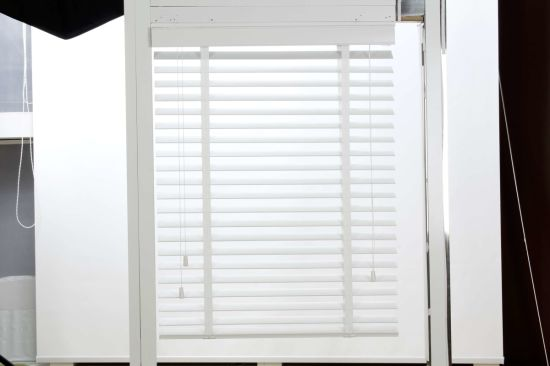 China 2 Inch White Faxu Wood Blinds
