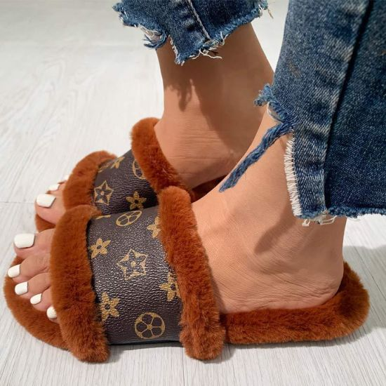 Plus-Size 35-43 Fashion One-Character Woolen Slippers European and American Fashion Wear Women's Hair Tows Wholesale