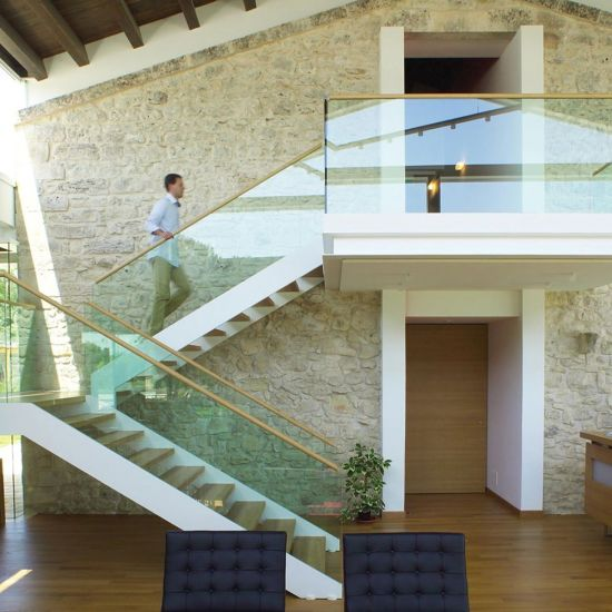 Customized Glass Panel Handrail U Channel Stair Stringer Staircase Design
