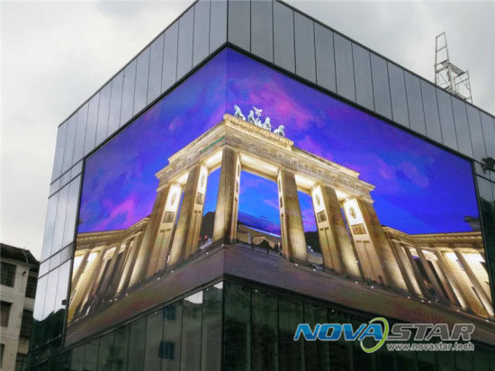 Foxgolden Factory Wholesale Outdoor P10 Full Color LED Display pictures & photos