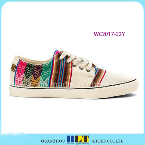 Women Canvas Shoes with Colourfule Strip Printed pictures & photos