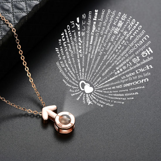 Wholesale 2018 Top Design Hot Sale Women Fashion Necklaces Jewelry Accessories I Love You in 100 Languages Arrow Projection Necklace pictures & photos