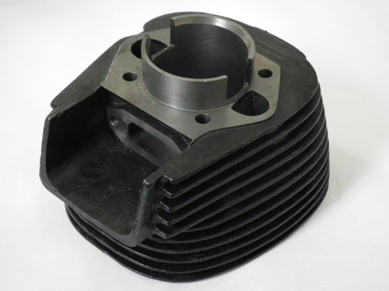 High Quality 5 Axis CNC Milling Motorcycle Engine Cylinder Block pictures & photos