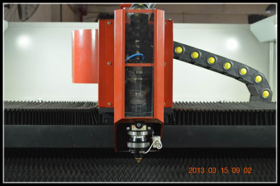 500W/1000W Automatic Fabric Fiber Flat Sheet Metal Laser Cutting Machine (TQL-MFC500-3015) pictures & photos