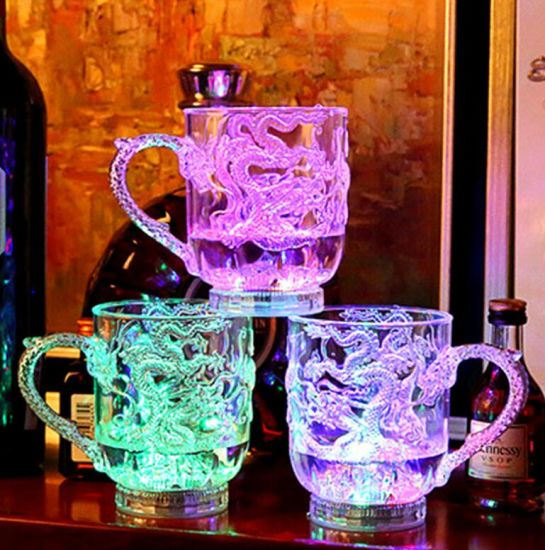 Automatic Flash Wave Light up LED Wine Glasses Cup Light up by Pouring Liquid pictures & photos