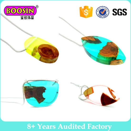 Handmade Resin Wood Lead Free 925 Sterling Silver Pendant Necklace for Women pictures & photos