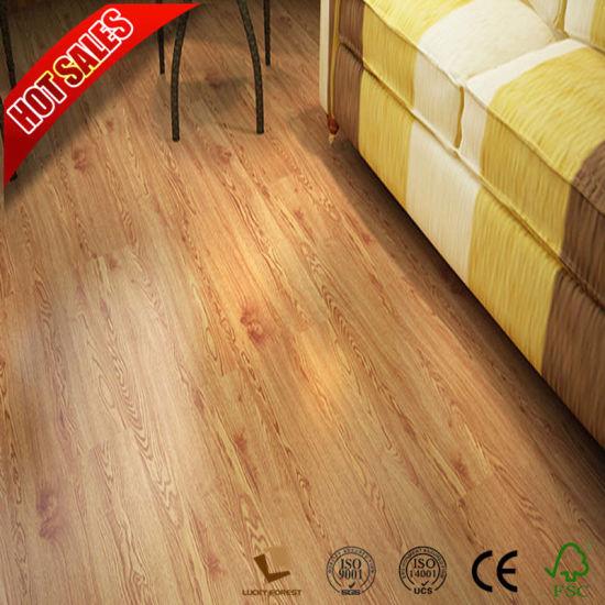 China Oak Roble Aqua Lock Laminate Flooring Light Color 83mm