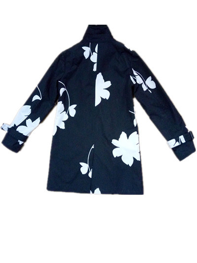 Black and White Flower Hooded PVC Raincoat for Woman pictures & photos
