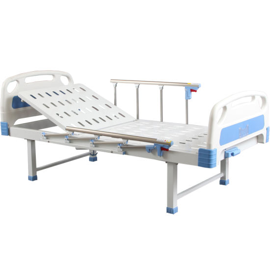 Sk026-2 Cheap Manual Crank Medical Treatment Folding Hospital Bed for Rehabilitation pictures & photos