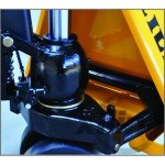 Hydraulic Hand Pallet Truck Suitable for Narrow Space Operating pictures & photos