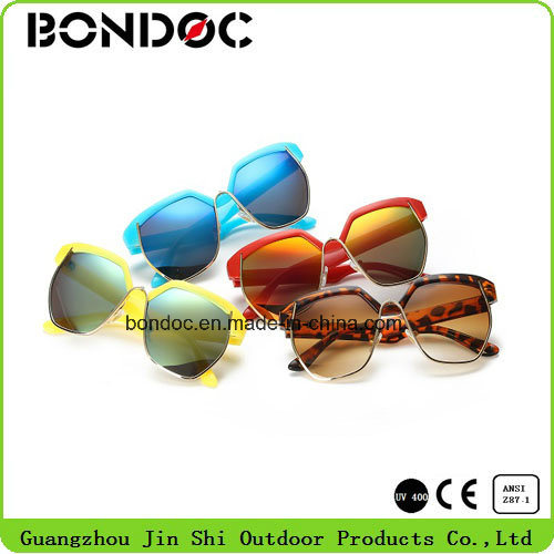 Plastic Sunglasses with Ce Certification pictures & photos
