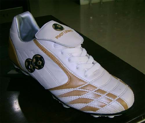 High Quality Soccer Football Shoes (B15202)