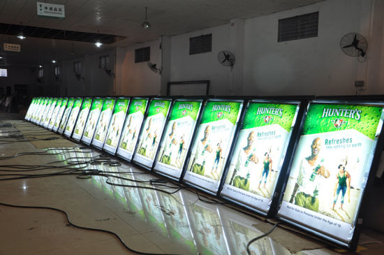 LED Digital Advertising Sign Slim Scrolling LED Advertising Light Box pictures & photos