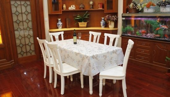 High Quality Jacquard Table Cloth pictures & photos