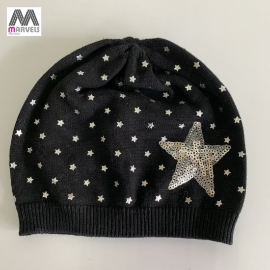 Fashion Five-Pointed Sequin and Foil Printing Knitted Cotton Beanie pictures & photos