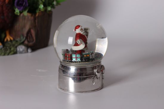 The Christmas Workshop 12 Cm Musical Polyresin Christmas Snow Globe pictures & photos