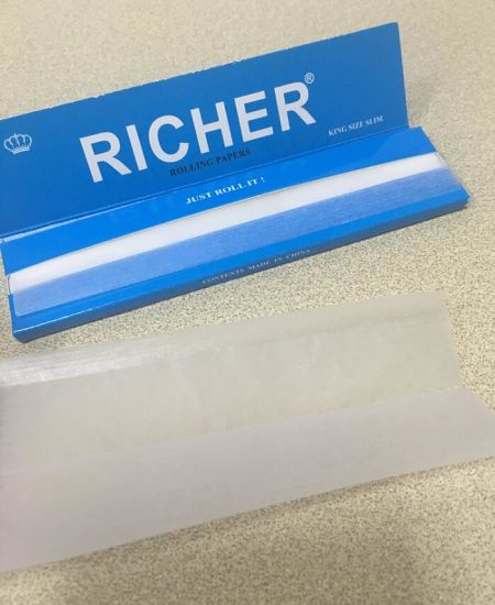 Richer Brand 13GSM Ultra Thin Hemp Cigarette Smoking Rolling Papers pictures & photos