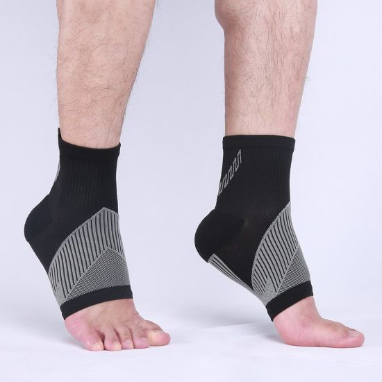Wholesale Ankle Support Sleeve Relief Pain Essential Sports Compression Ankle Brace Sleeve