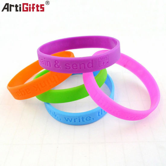 Wholesale Silicone Wristband with Soft Enamel pictures & photos