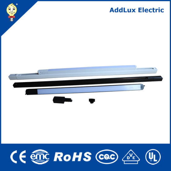 Saso Ce UL Best Distributor 15W 28W 30W 3 Wires LED Track Linear Lights Made in China for Office, Store, Supermarket, Workshop or Warehouse Lighting
