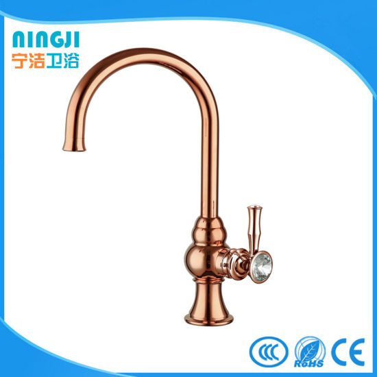 Handle with Crystal Rose Golden Kitchen Faucet Mixer pictures & photos