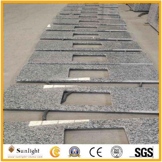 Wholesale China Spray White Granite Slabs for Kitchen / Bathroom Countertop