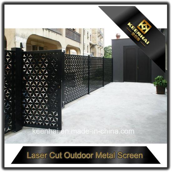 China Laser Cut Decorative Aluminum Driveway Gate - China