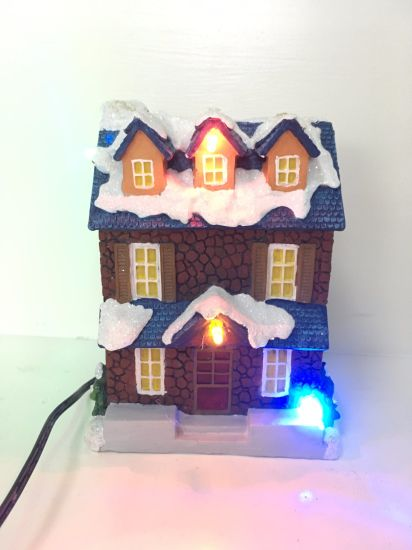 China Resin Custom Small Size Christmas Village Houses With Led