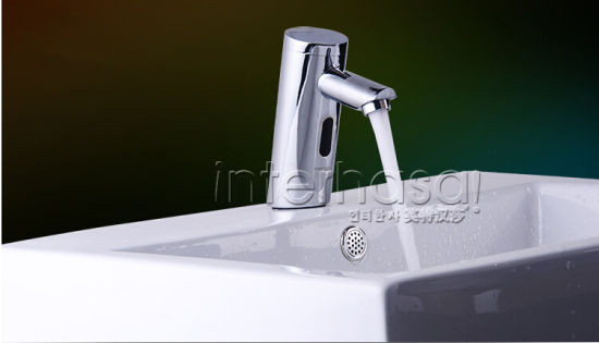 High Quality Bathroom Toilet Automatic Tap Infrared Sensor Cold/Hot Brass Medical Faucet pictures & photos