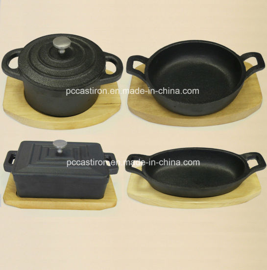 Preseasoned Cast Iron Mini Skillet Size 15.5X9.7X3cm pictures & photos
