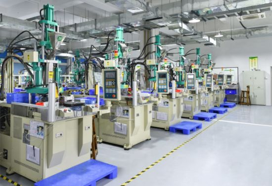 Rotary Table Injection Moulding Machine (25T) for Electronic Cigarette Filter pictures & photos
