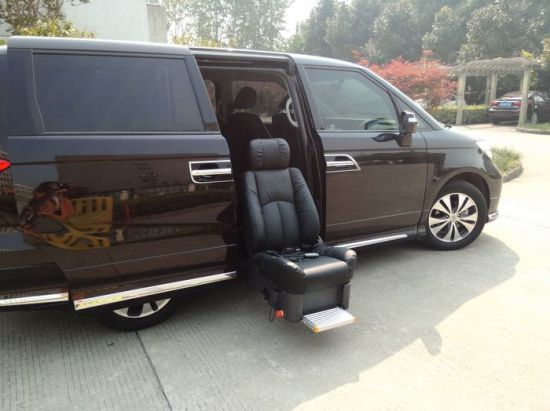 Luxury Swivel and Lift Seat for Van Mobility pictures & photos