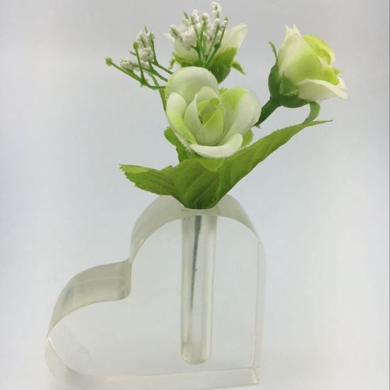 China Manufacturing Clear Heart Shaped Acrylic Flower Vases China