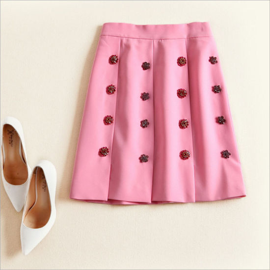 Heavy Color Diamand Button Slim Joker Fashion Girl Skirt pictures & photos
