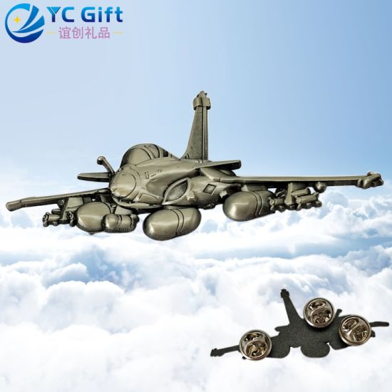 China Factory Custom Zinc Alloy Die Casting 3D Logo Airplane Model Lapel Pin Metal Art Crafts Aircraft Malaysia Military Police Uniform Button Badge with Design