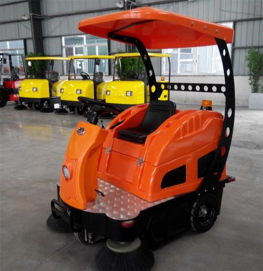 Electric Ride on Road Street Sweeper Cleaning Machine pictures & photos