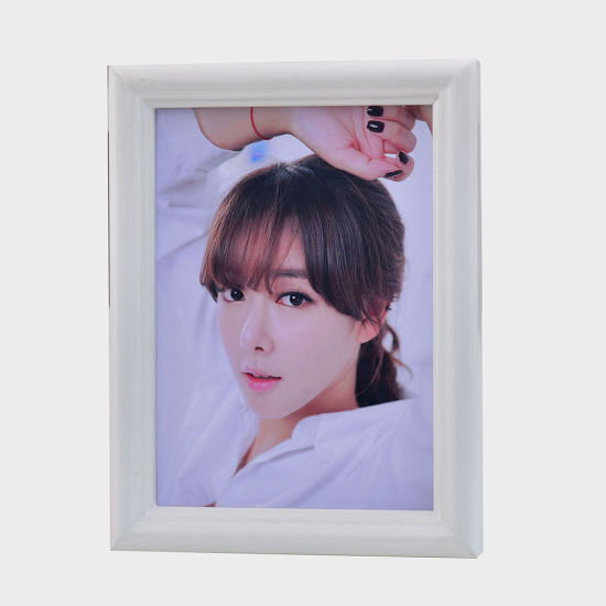 A4 Plastic Picture Frame Photo pictures & photos